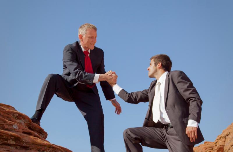 كيف تكسب ود مديرك وتصبح العضو المفضل في فريق العمل؟