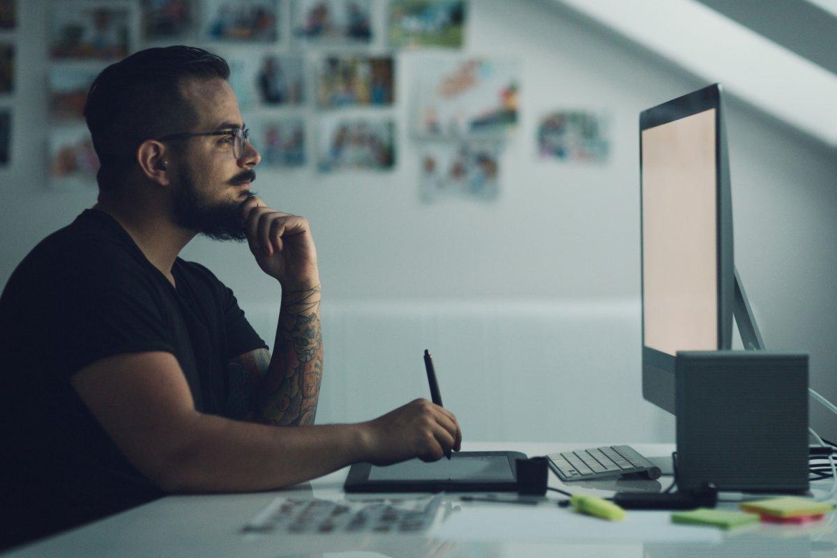 إليك كيفية العثور على موظفين رائعين عن بعد وتوظيفهم لديك