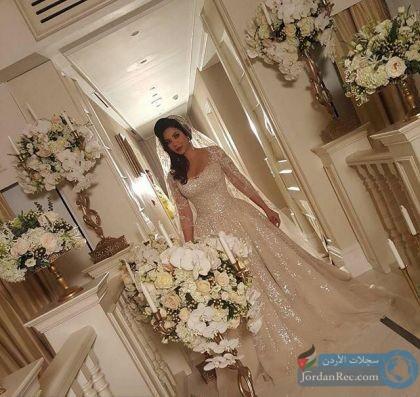 لجين عمران بفستان الزفاف.. هل تزوجت!