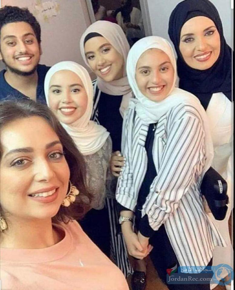 جيهان نصر في أحدث صورة لها مع بناتها
