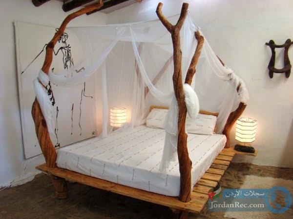 إطار سريرعلى شكل فرع الشجرة