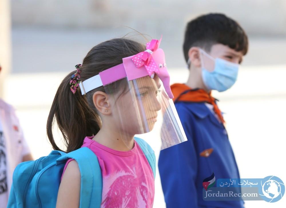 أعداد طلاب المدارس المصابين بكورونا