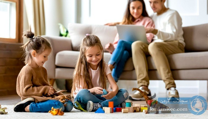 كيف تجعل طفلك مشغولًا طول الوقت