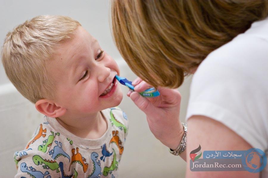 كيف تتعامل مع فقدان الطفل للأسنان